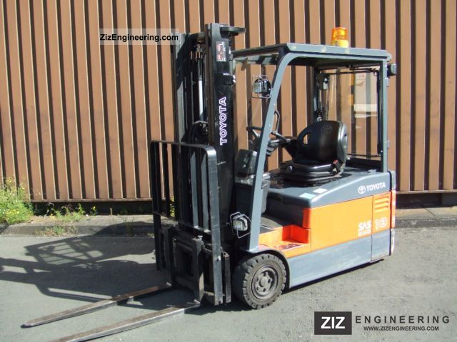 2006 Toyota  7 FBEF Forklift truck Front-mounted forklift truck photo