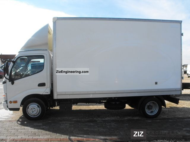 2005 Toyota  Dyna with 150 cases Van or truck up to 7.5t Box photo