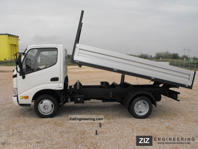 2003 Toyota  Dyna 150 Tipper Van or truck up to 7.5t Tipper photo