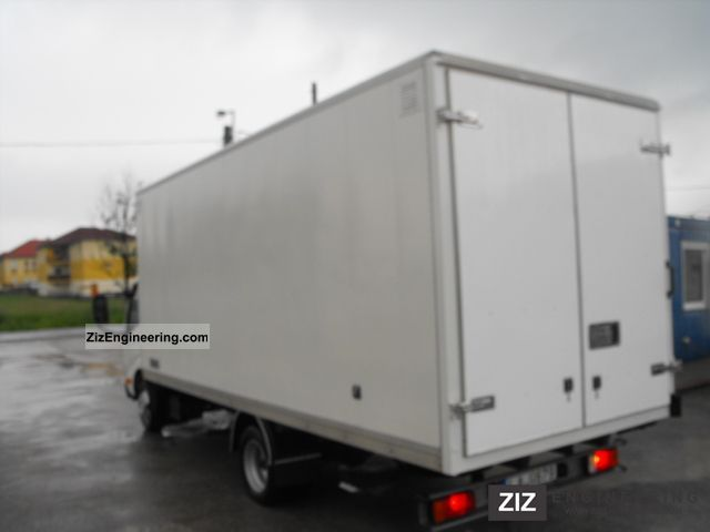 2006 Toyota  Dyna with 150 cases Van or truck up to 7.5t Box photo