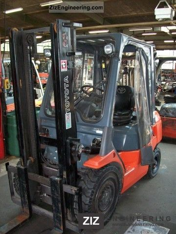 2006 Toyota  62-25 7FDF Forklift truck Front-mounted forklift truck photo