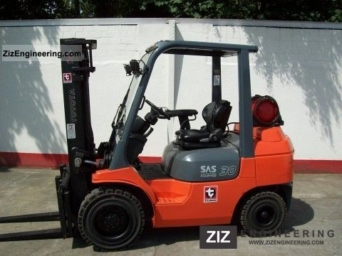 2004 Toyota  02-30 7FGF Forklift truck Front-mounted forklift truck photo
