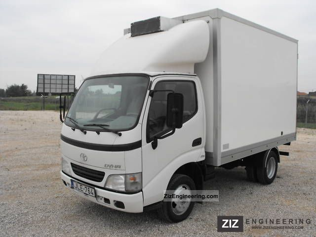 2004 Toyota  Dyna with 150 reefer Van or truck up to 7.5t Refrigerator body photo