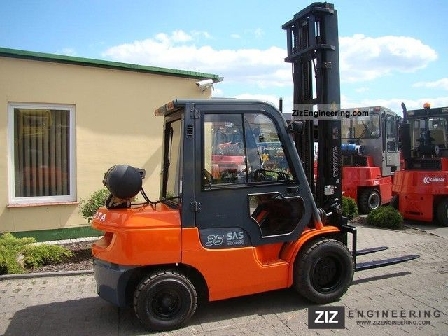 2004 Toyota  02-7FGJF35 Forklift truck Front-mounted forklift truck photo