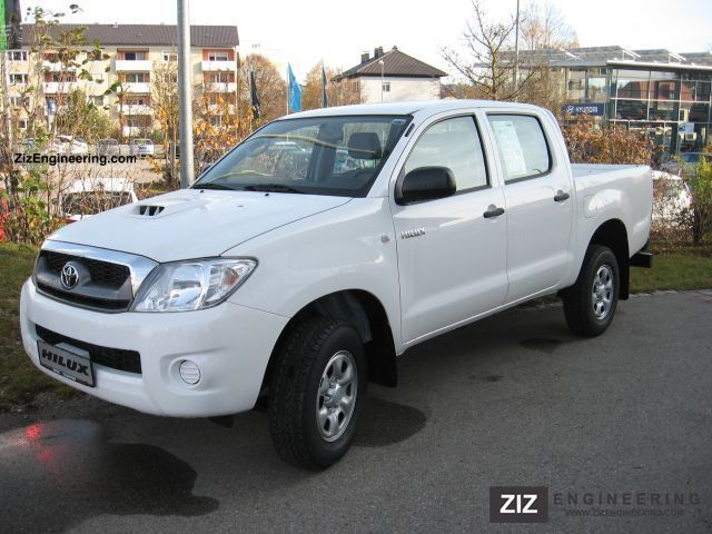 2011 Toyota  Hi Lux Double Cab Hi4x4 Van or truck up to 7.5t Stake body photo