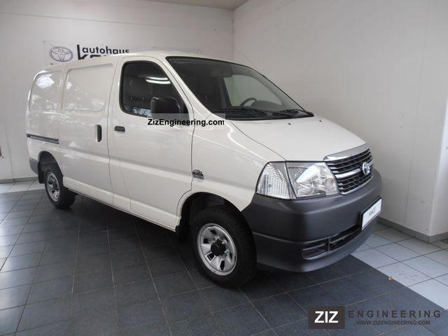 2012 Toyota  Hi Ace 2.5 D4D 4X4 5 door box + AIR Van or truck up to 7.5t Box-type delivery van photo