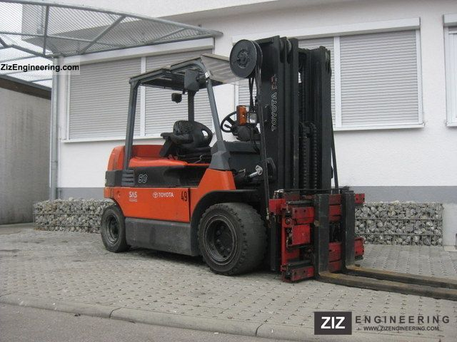 2006 Toyota  7FBMF50 Forklift truck Front-mounted forklift truck photo