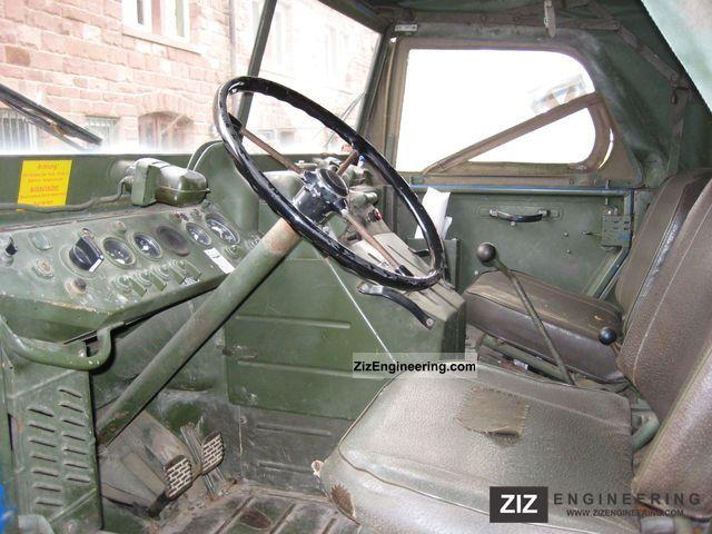 Unimog 404 1961 Box Truck Photo and Specs