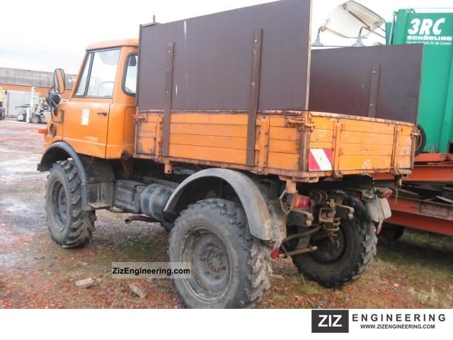 unimog u 421 tipper 1978 sweeping machine truck photo and specs. Black Bedroom Furniture Sets. Home Design Ideas