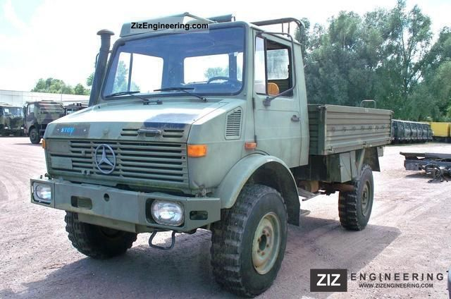 unimog u 1300 l 435 2t 1984 stake body truck photo and specs. Black Bedroom Furniture Sets. Home Design Ideas