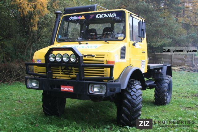 unimog rally u 1300 l 1986 stake body truck photo and specs. Black Bedroom Furniture Sets. Home Design Ideas