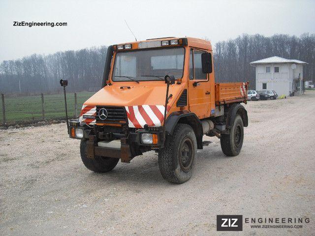 1995 Unimog  U110 Van or truck up to 7.5t Tipper photo