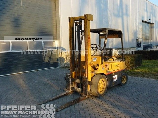 1984 Hyster  3 ton gas Forklift truck Front-mounted forklift truck photo