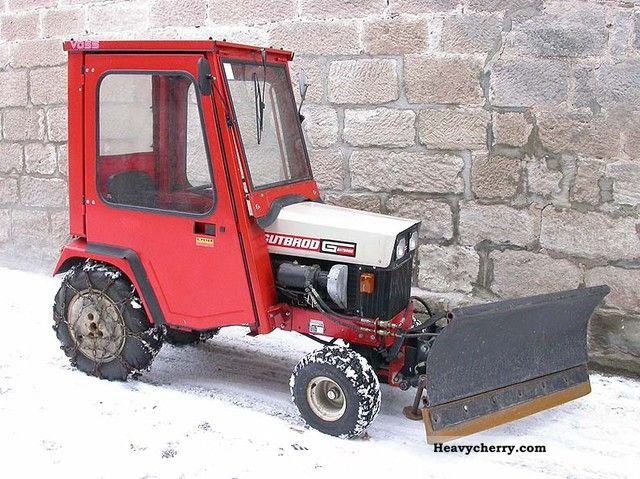 2011 Gutbrod  2350 D Schneeschild cabin Agricultural vehicle Tractor photo