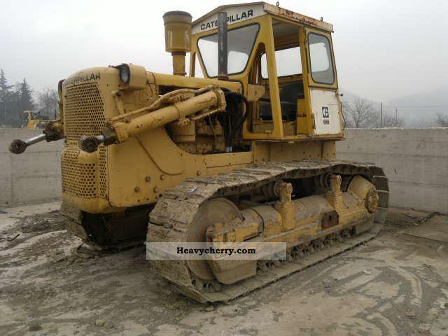 2011 CAT  D 7 E Construction machine Dozer photo