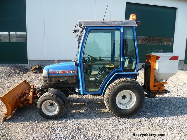 Iseki TM 223/2125 2001 Agricultural Tractor Photo and Specs