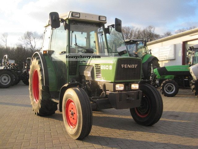 2001 Fendt  260 S 40km / h Agricultural vehicle Tractor photo