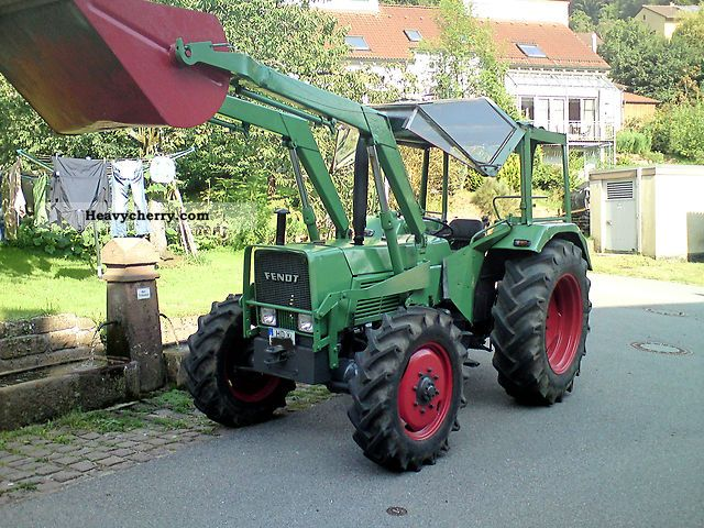 1973 Fendt  106 SA Agricultural vehicle Tractor photo
