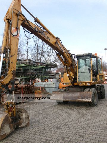 1992 Zeppelin  ZM13 - Year: 1992 - 17034h - 15.1 t Construction machine Mobile digger photo