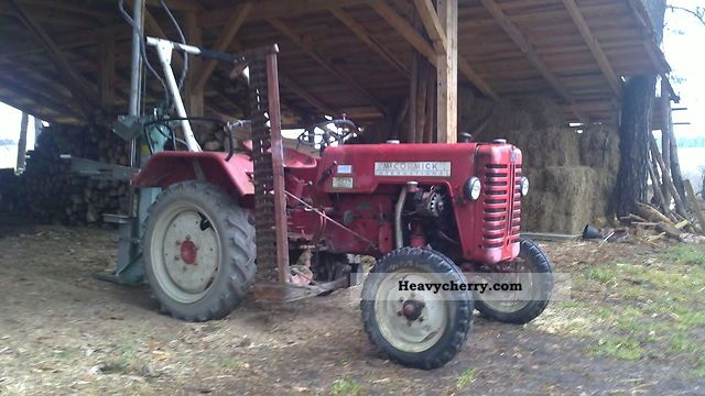 1958 IHC  D 214 Agricultural vehicle Tractor photo