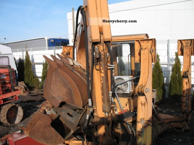 1995 Schaeff  AT16 Construction machine Mobile digger photo