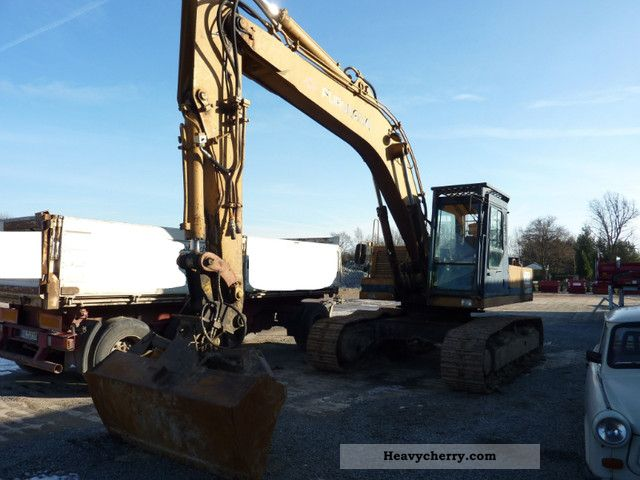 1991 Furukawa  640 E Construction machine Caterpillar digger photo