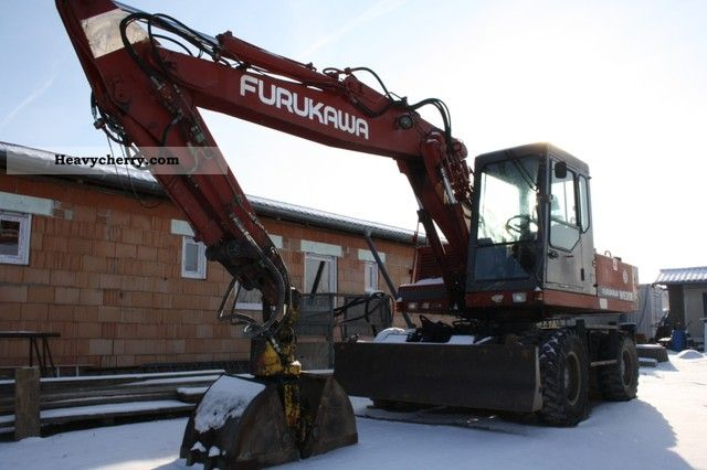1991 Furukawa  W630E Construction machine Mobile digger photo