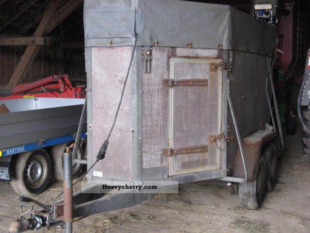 1989 Barthau  Livestock transporters Trailer Cattle truck photo
