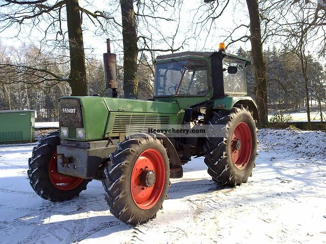 1972 Fendt  12 favorite Agricultural vehicle Tractor photo