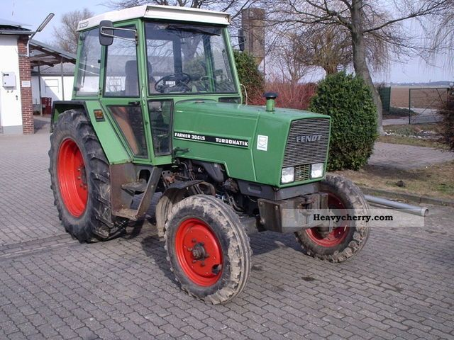 1981 Fendt  306 LS Agricultural vehicle Tractor photo