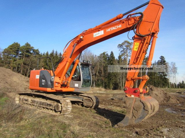 2004 Hitachi  225 Construction machine Caterpillar digger photo