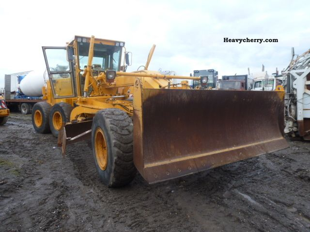 2000 CAT  140H Construction machine Grader photo