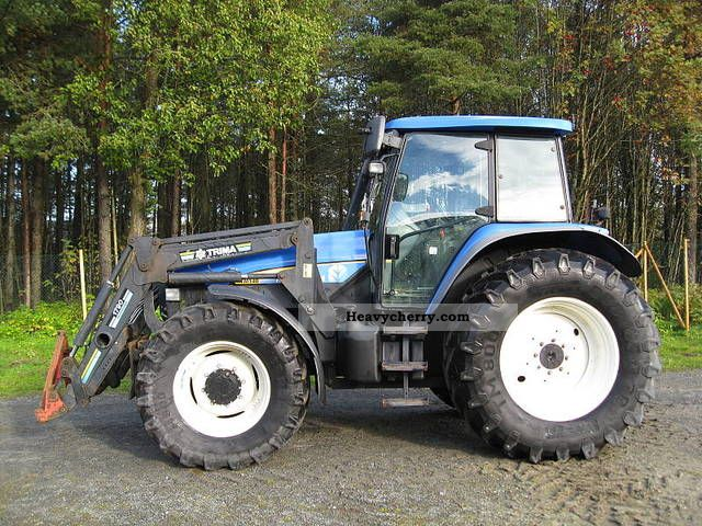 2011 New Holland  New Holland Agricultural vehicle Tractor photo