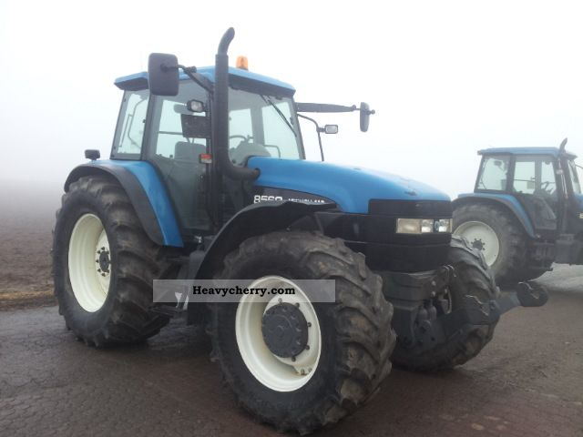 1999 New Holland  8560 Agricultural vehicle Tractor photo
