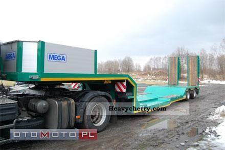 2011 MEGA  MNN Semi-trailer Low loader photo