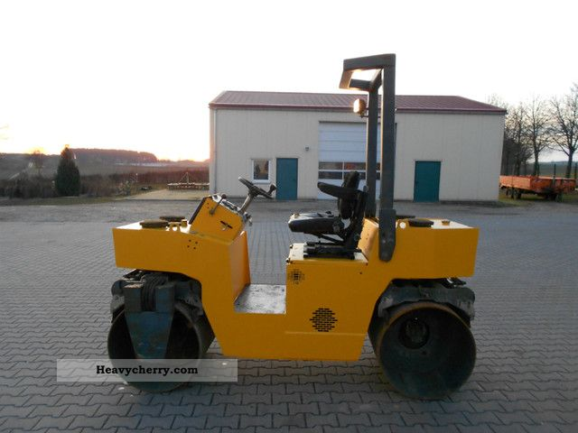 1992 BOMAG  Vibromax W152 Construction machine Rollers photo