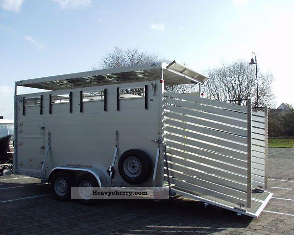 2011 Klagie  Livestock trailer / trailer animal / zoo animals Trailer Cattle truck photo