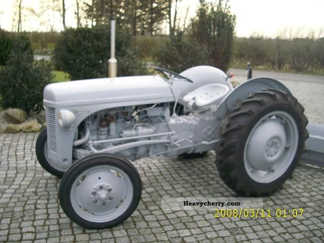 Agco / Massey Ferguson TEA 20 1955 Agricultural Tractor Photo and Specs