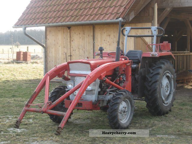 1968 Agco / Massey Ferguson  MF 135 Agricultural vehicle Tractor photo