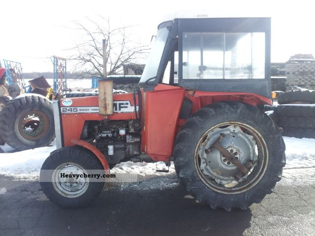 1978 Agco / Massey Ferguson  245 Agricultural vehicle Tractor photo