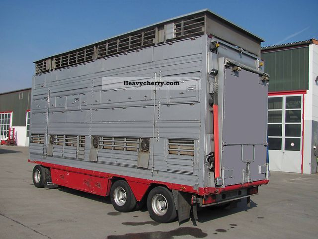 2000 Pezzaioli  RBA Trailer Cattle truck photo