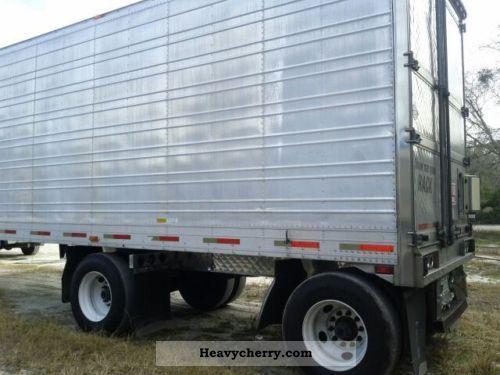 Tractor Trailer Units : Peterbilt standard tractor trailer unit photo and