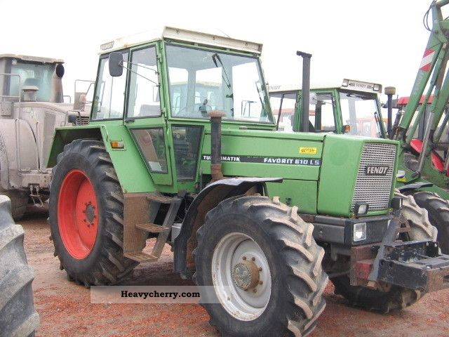 1981 Fendt  610 Turbomatic Agricultural vehicle Tractor photo