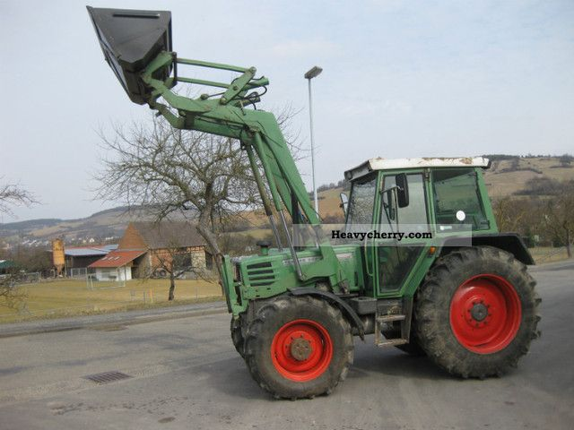 1993 Fendt  307 Agricultural vehicle Tractor photo
