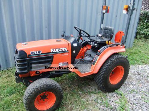 2007 Kubota  B2110 Agricultural vehicle Tractor photo