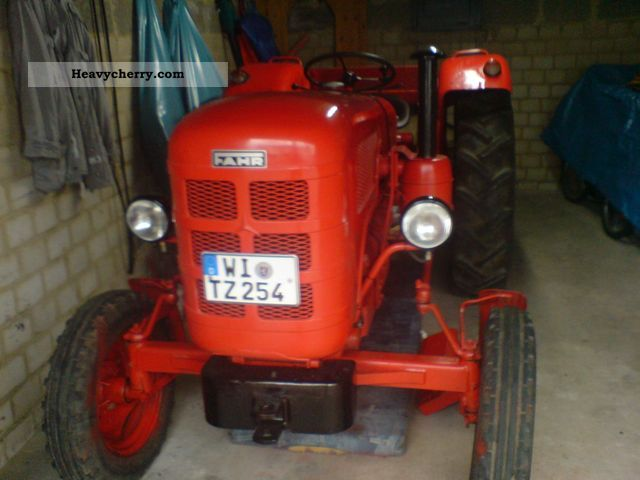 1961 Fahr  D 177S high-speed 35 KM / H Agricultural vehicle Tractor photo