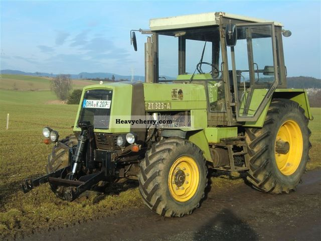 1990 Fortschritt  ZT 323 A Agricultural vehicle Tractor photo