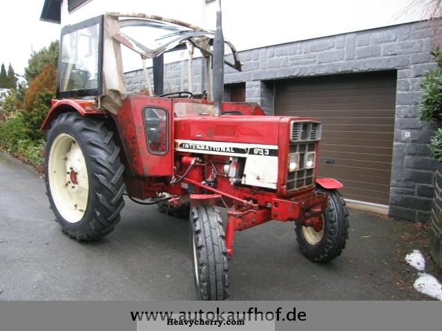 1975 IHC  Top 633 tractor ready to use with MOT ... Agricultural vehicle Tractor photo