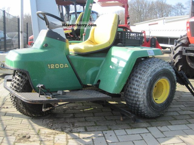 2011 John Deere  1200 A super state! Agricultural vehicle Tractor photo