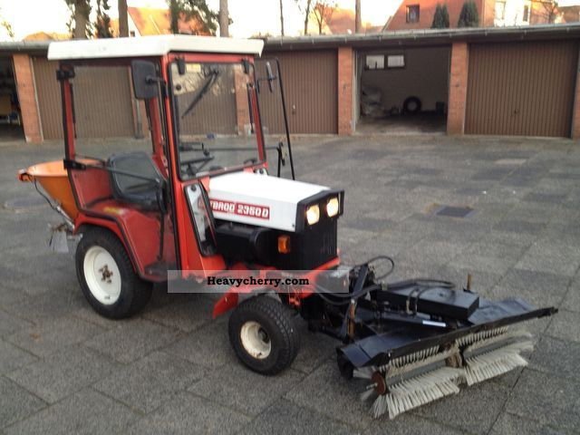 1992 Gutbrod  2350 D Agricultural vehicle Tractor photo